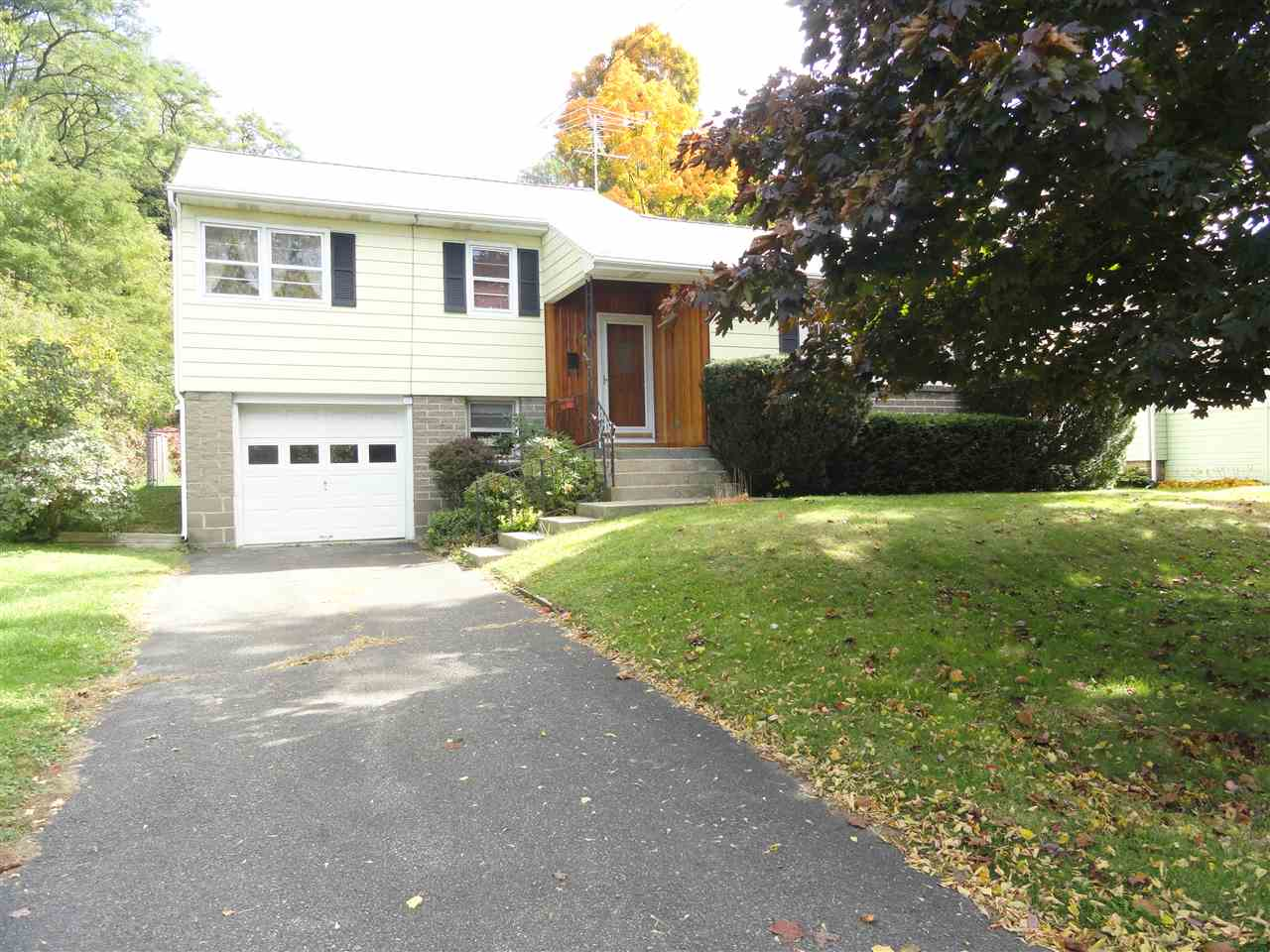 218 Mccullough Pl, Rensselaer, NY