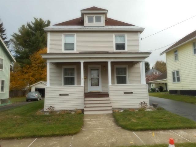 11 Spruce St, Gloversville NY 12078