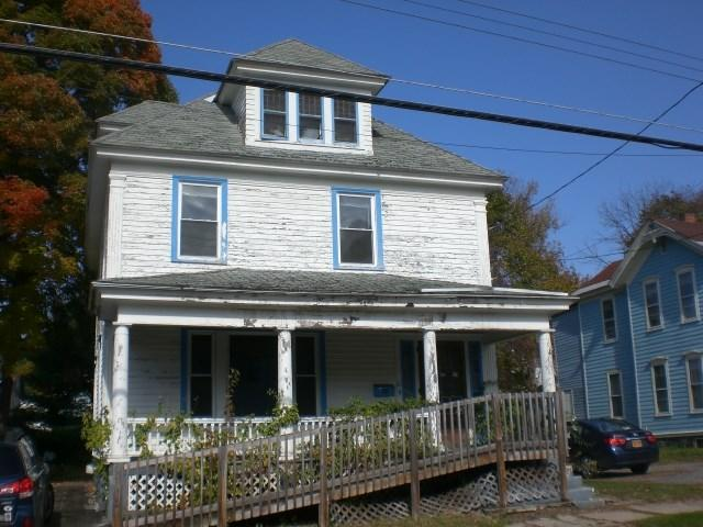 61 Third Ave, Gloversville NY 12078