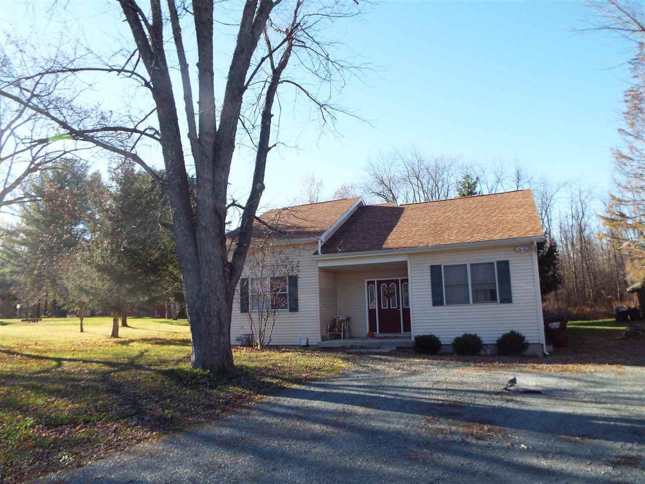 89 State Farm Rd, Voorheesville, NY