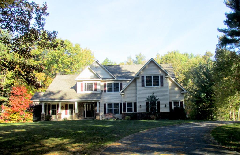 15 Liz Ann Dr, Saratoga Springs, NY