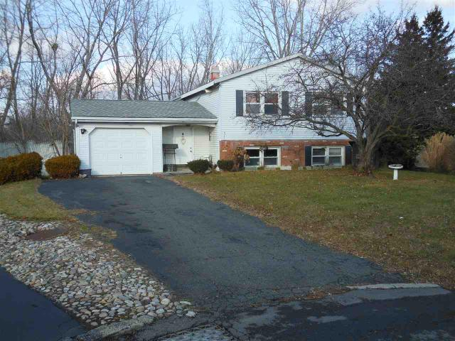 5 Pike Creek Dr, Cohoes, NY 12047