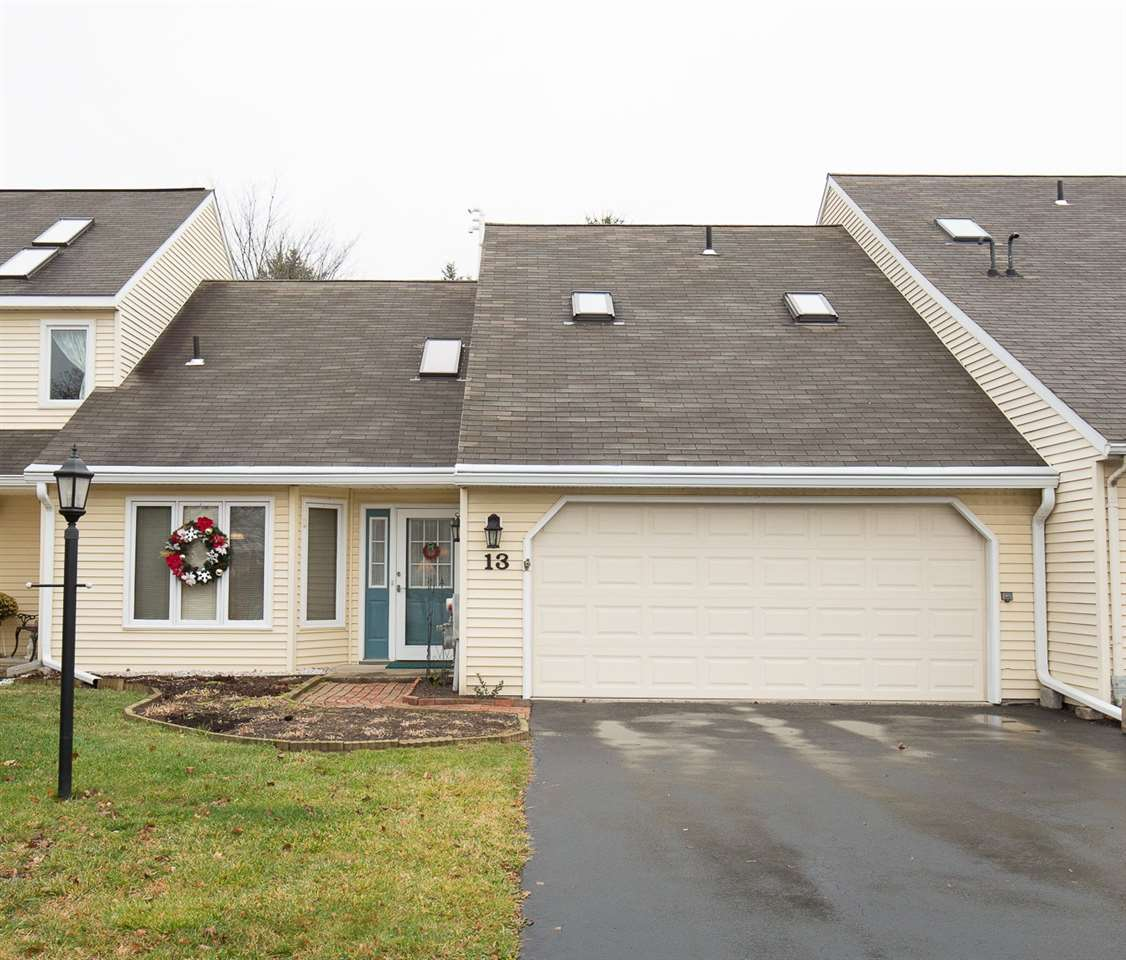 13 Constitution Dr, Glenmont, NY
