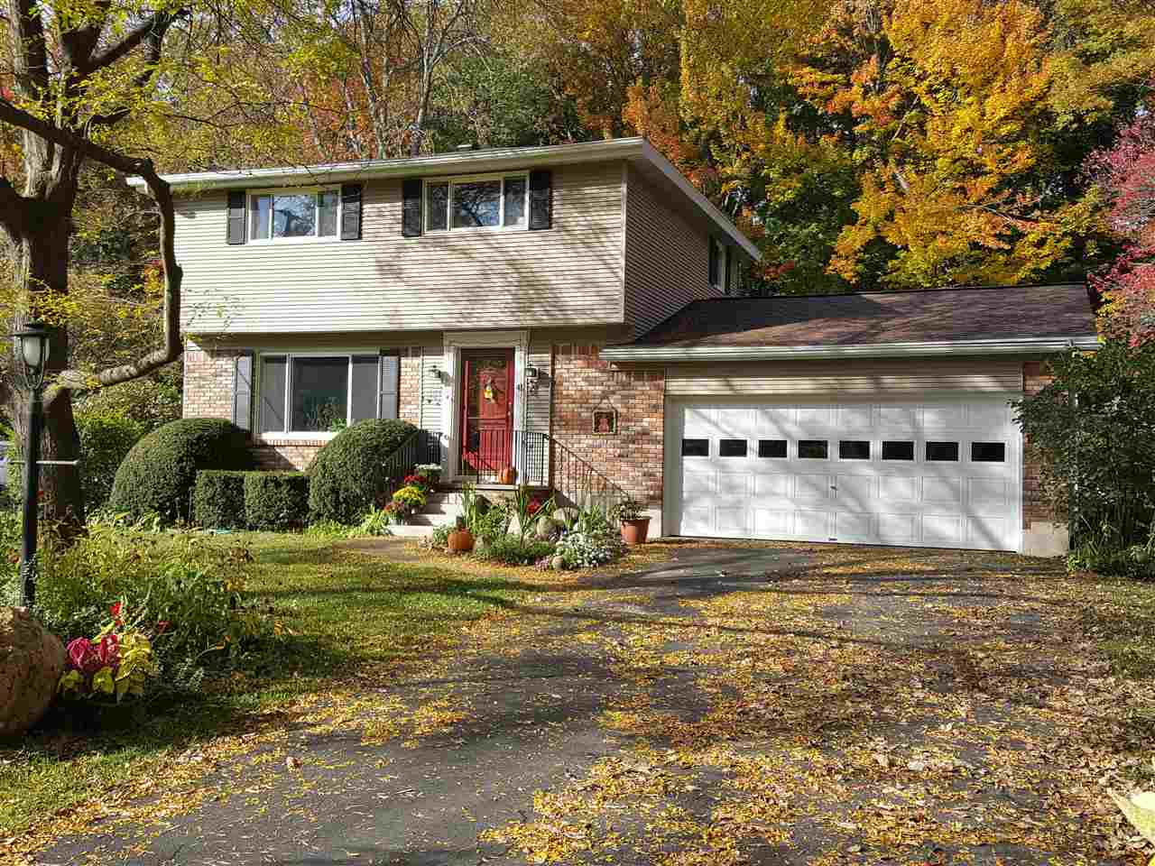 41 Fruitwood Dr, Burnt Hills, NY