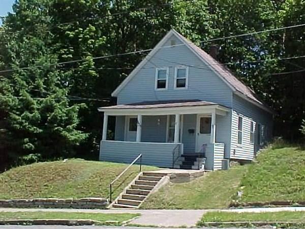 67 Montgomery St, Gloversville NY 12078