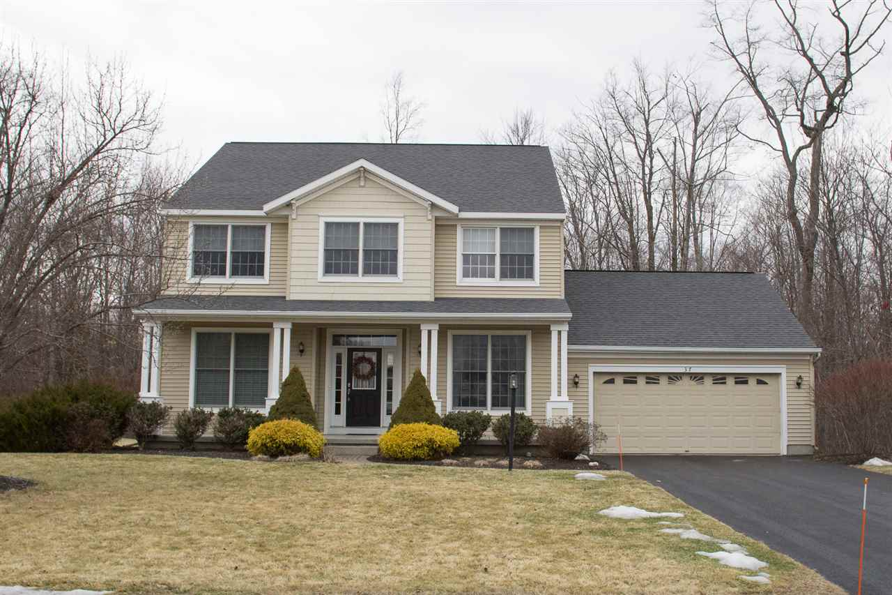 37 Sterling Heights Dr, Clifton Park, NY