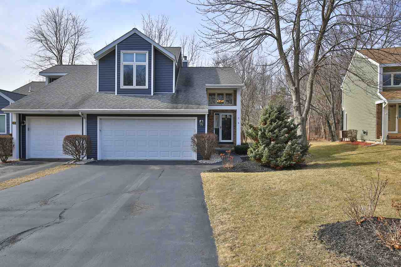 9 Brigantine Dr, Waterford, NY