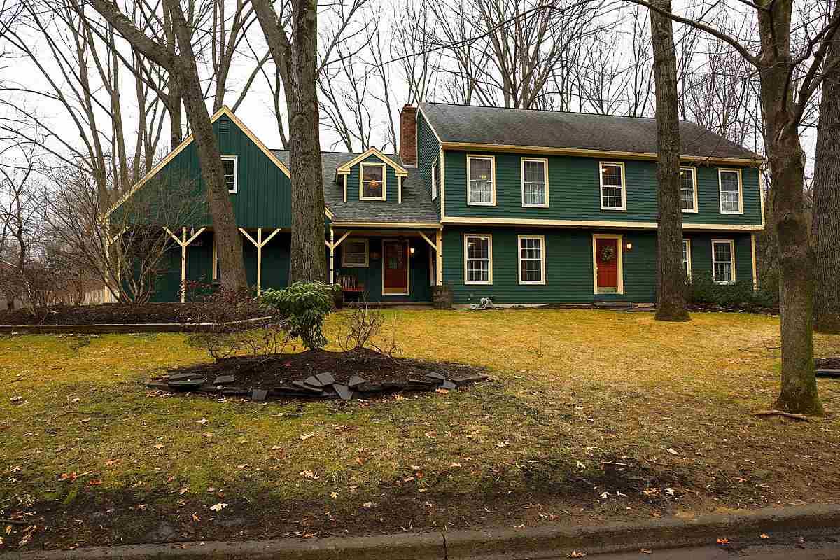25 Wedgewood Dr, Saratoga Springs, NY