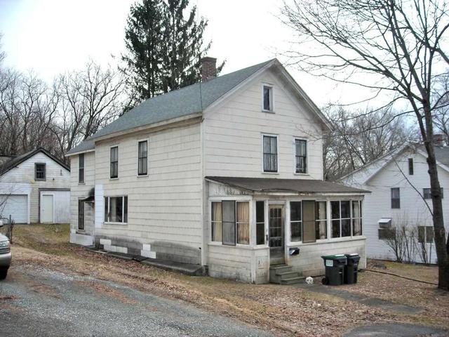 8 Jackson St, Hoosick Falls, NY 12090