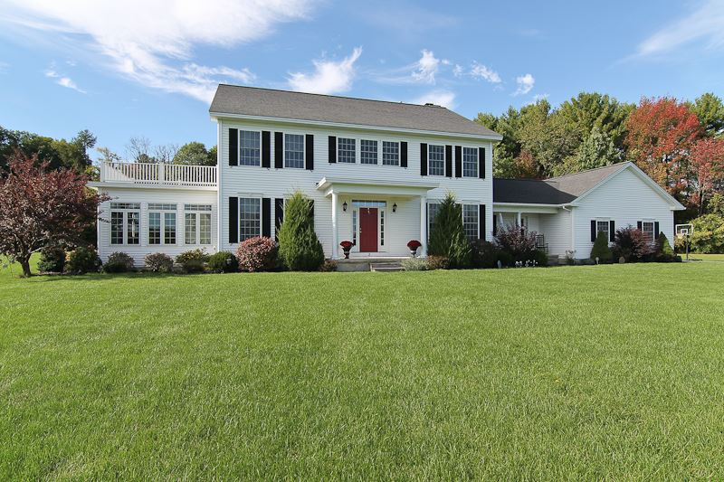 2 Countryside Ct, Burnt Hills, NY