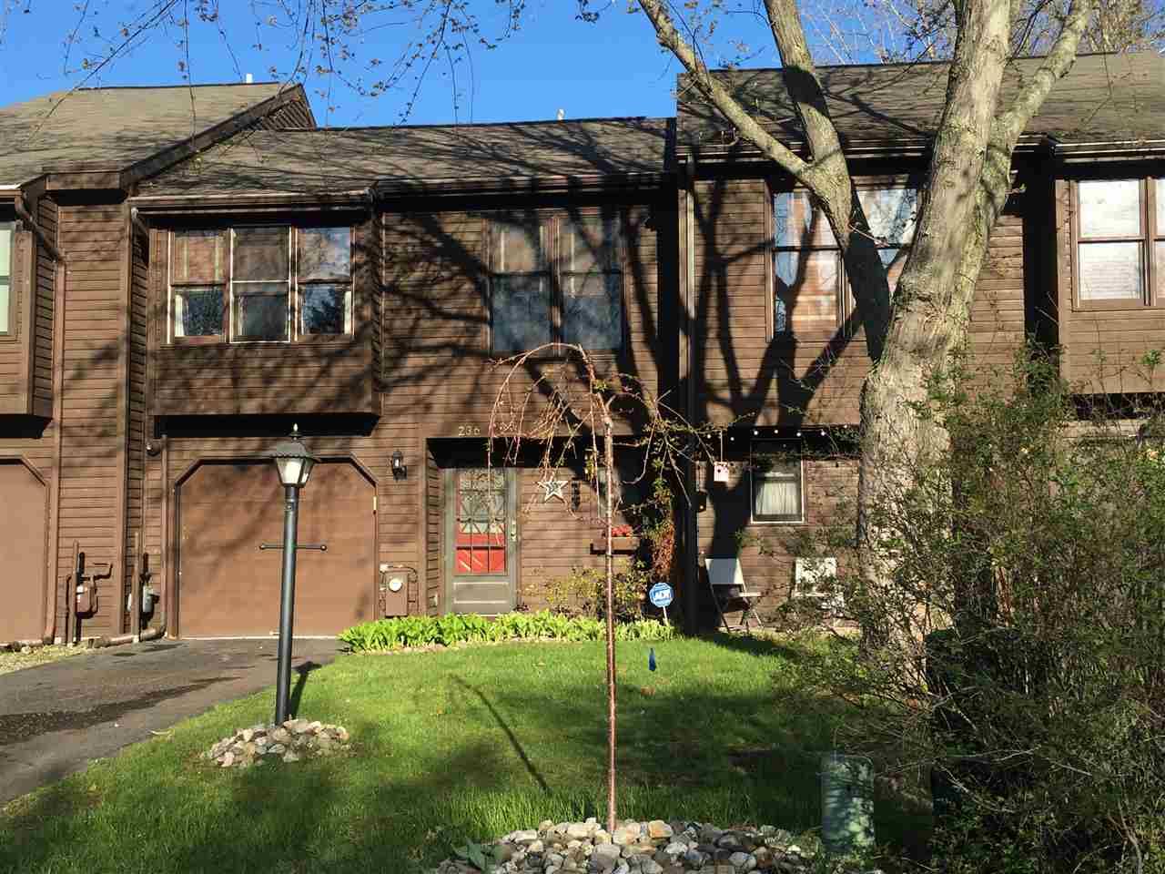 236 Woodscape Dr, Albany, NY