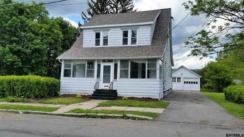 53 Franklin St, Gloversville, NY 12078