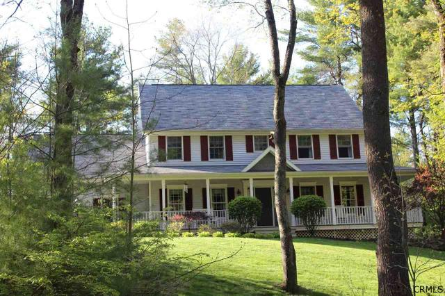 95 Valley Dr, West Sand Lake, NY 12196