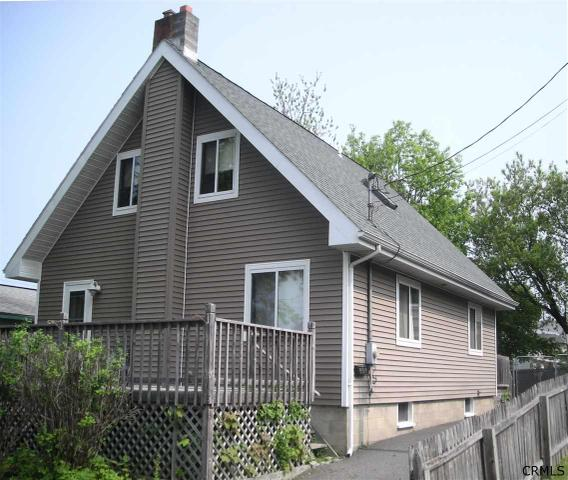 907 Gerling St, Schenectady, NY
