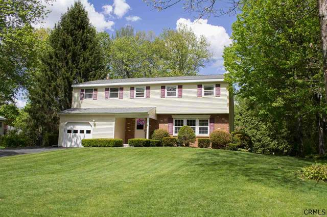 18 Sugarbush Rd, Clifton Park, NY