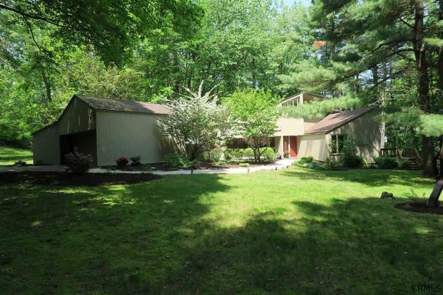 2990 Rosendale Rd, Schenectady, NY