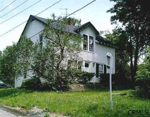 1696 Best Rd, Troy, NY