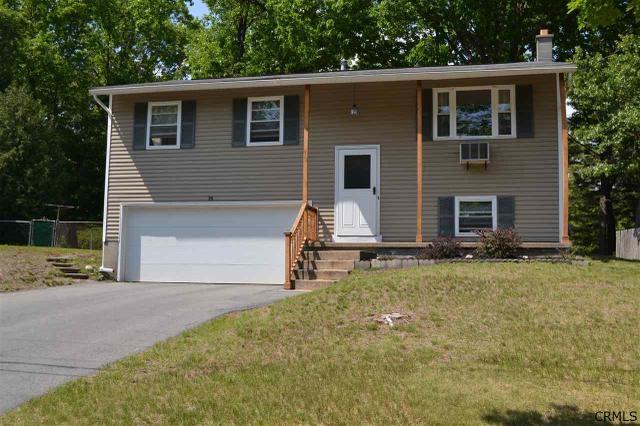 14 Curt Blvd, Saratoga Springs, NY 12866