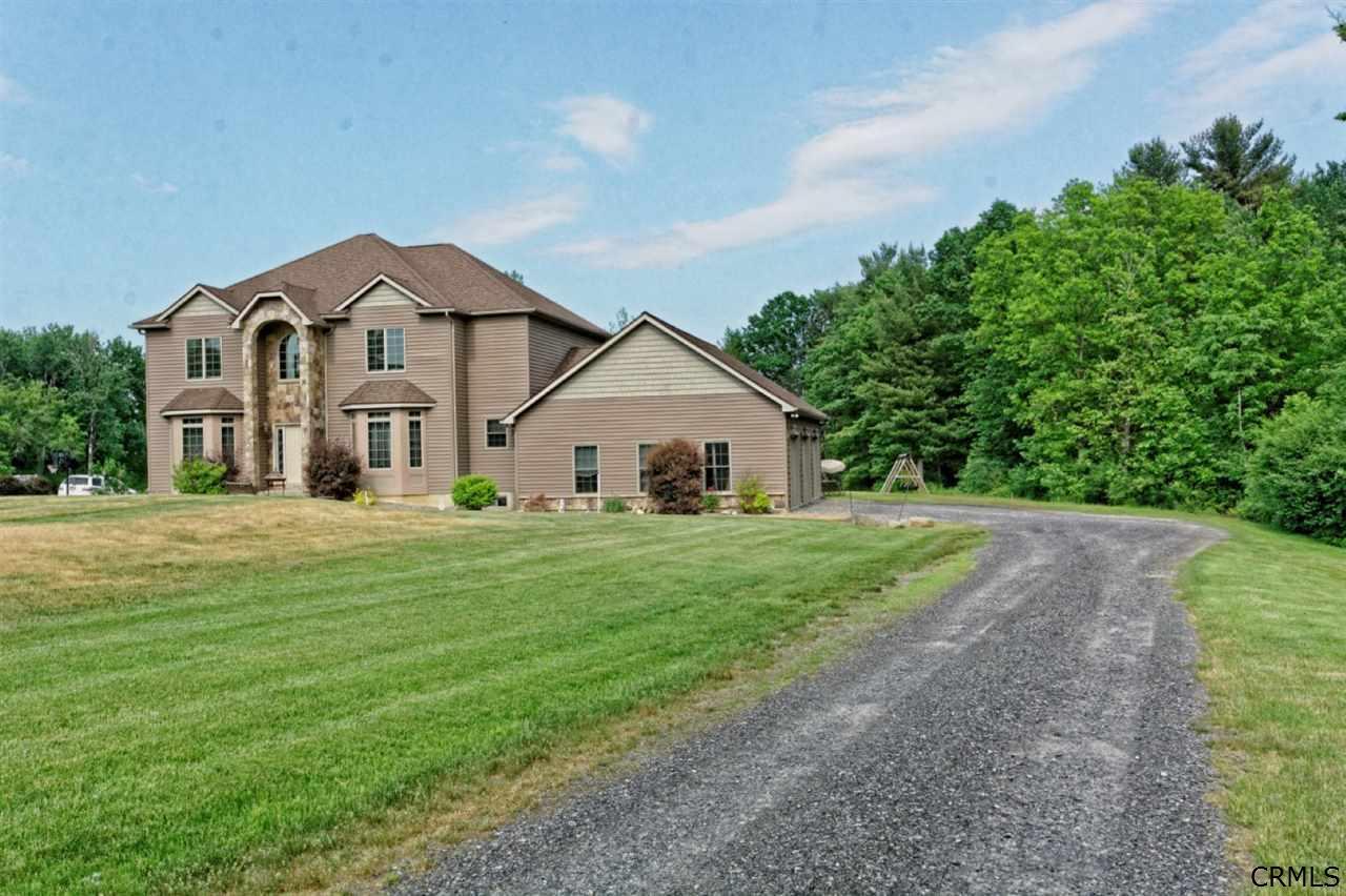 120 Oak Ridge Drive, Glenville, NY 12302