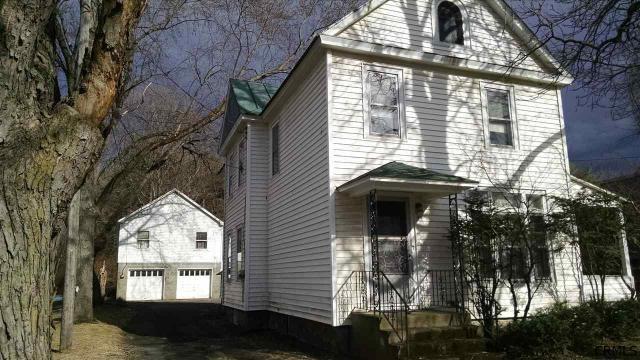 416 Maple Ave, Saratoga Springs, NY 12866