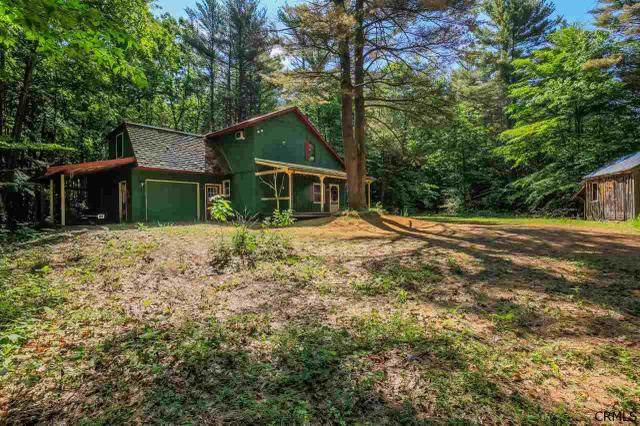 188 Woods Hollow Rd, Mayfield, NY 12025