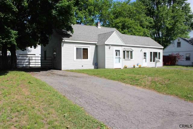 1959 Clement Rd, Schenectady, NY 12303