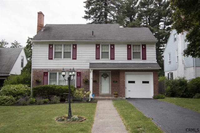 47 Pointview Dr, Troy, NY 12180