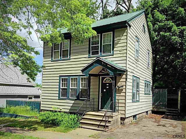 29 Van Wyck St Gloversville, NY 12078