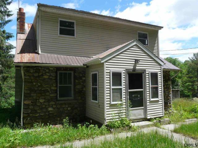 22 Mt Mcgregor Rd, Wilton, NY 12831