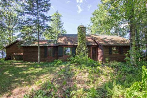 139 Golf Course Rd, Lake Pleasant, NY 12108