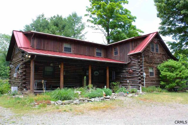 15 Stagecoach Rd, Petersburgh, NY 12138