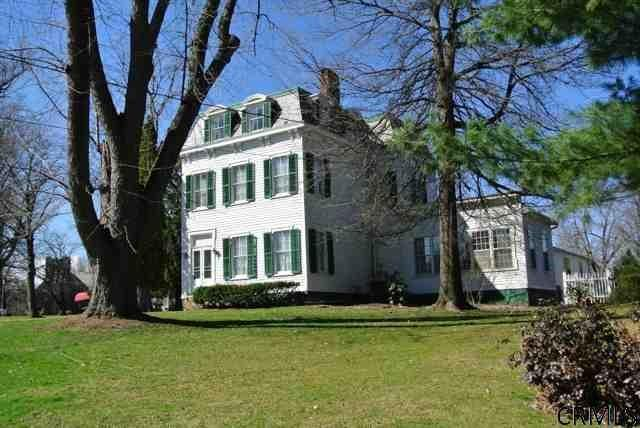 95 Mansion St, Coxsackie, NY 12051