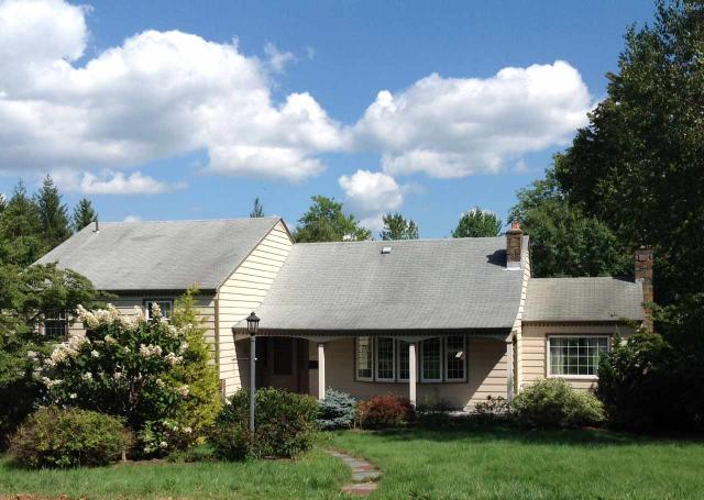 1328 Hawthorn Rd, Niskayuna, NY 12309