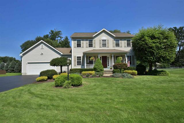 109 Stacey Crest Dr, Rotterdam, NY 12306
