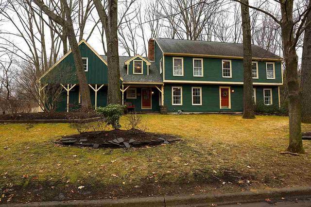 25 Wedgewood Dr, Saratoga Springs, NY 12866