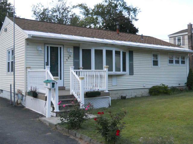 505 Chadwick Rd, Schenectady, NY 12304