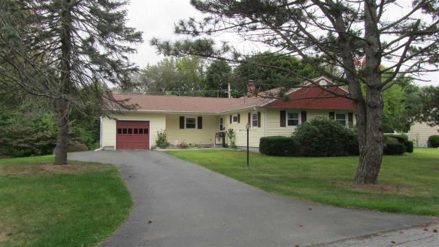 13 Stephens La E, Glenville, NY 12303