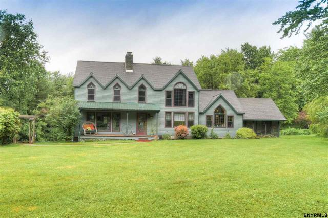 14 Coons Rd, Troy, NY 12180