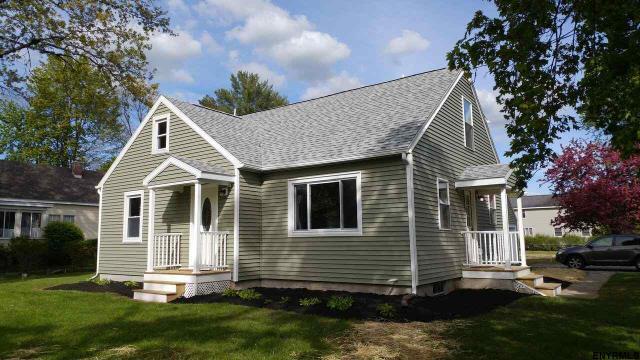 390 Saratoga Rd, Glenville, NY 12303