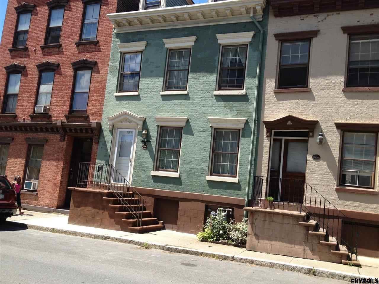 Undisclosed, Albany, NY 12202
