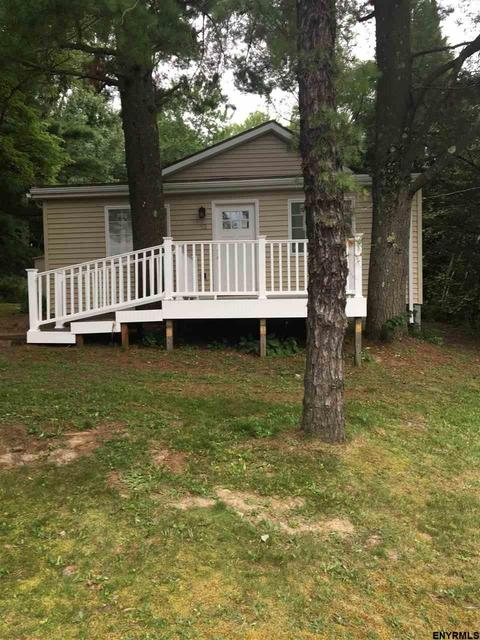 53 Seneca Rd, West Sand Lake, NY 12196