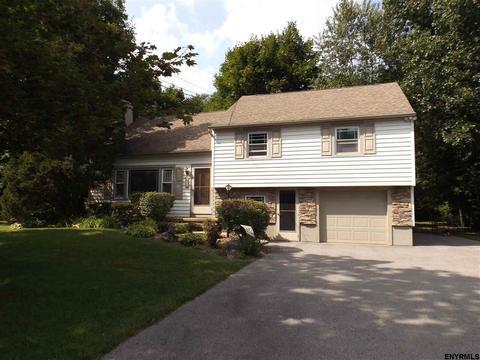 18 Beechwood DrCharlton, NY 12019