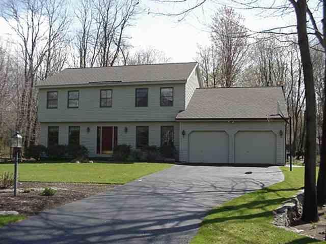 41 Berkshire Dr W, Clifton Park, NY 12065
