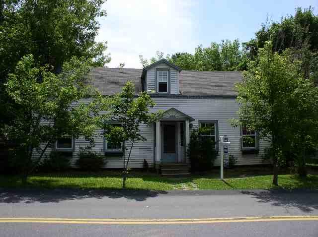 15 Willow St, Guilderland, NY 12084