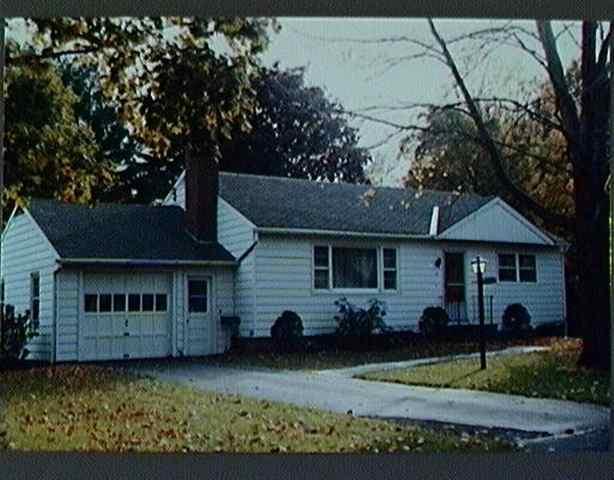 6 Phillips St, Ballston Lake, NY 12019