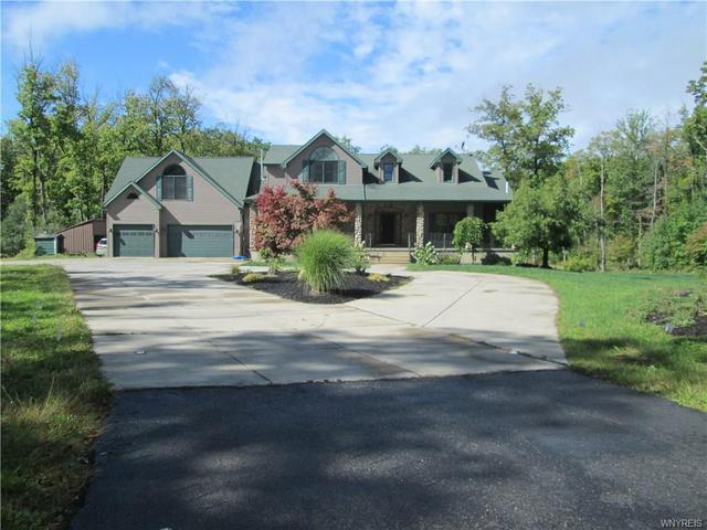 6150 Heltz Rd, Lake View, NY 14085