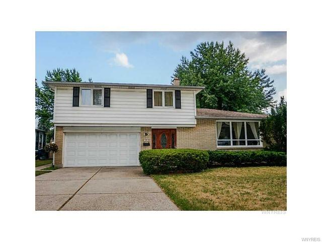 10 Red Oak Dr, Williamsville, NY 14221