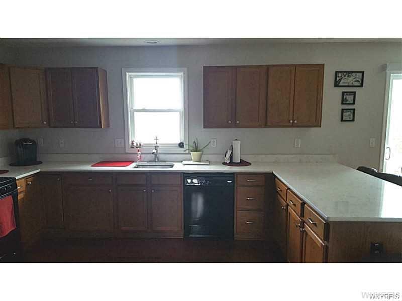 2396 Hobblebush Lane, Lake View, NY 14085