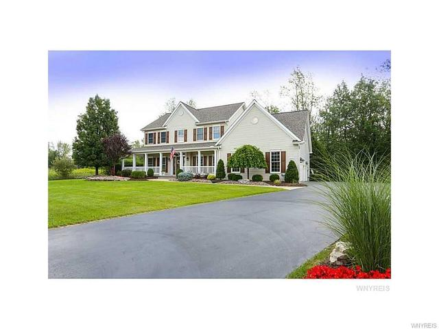 9073 Winding Creek LnClarence Center, NY 14032