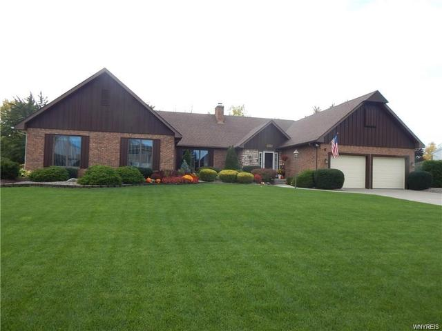 6262 Bridlewood Dr S, East Amherst, NY 14051